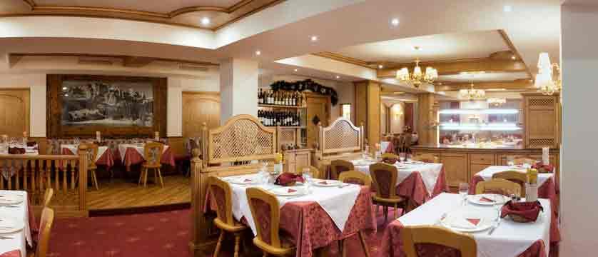 italy_dolomites_canazei_hotel-cristallo_dining-room.jpg